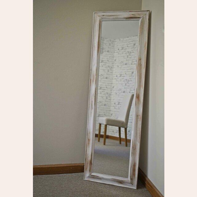 Espejo cuerpo entero patinado blanco for Espejos de cuerpo completo modernos