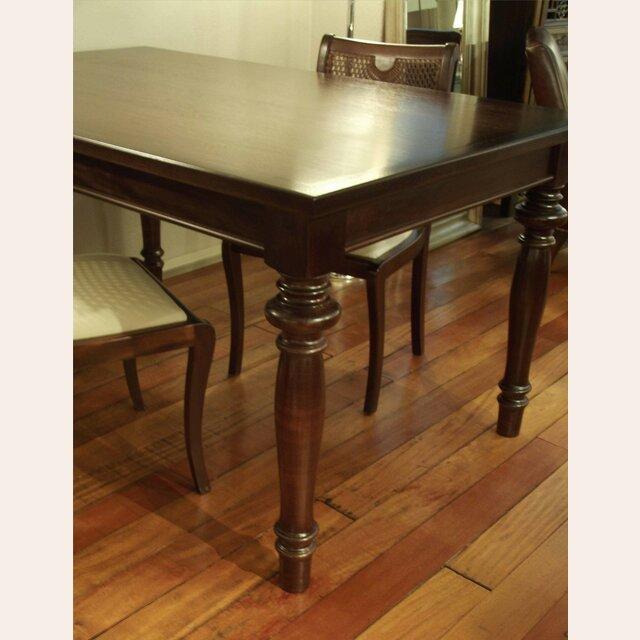 Mesa comedor de cedro y patas torneadas fija - Patas torneadas de madera ...